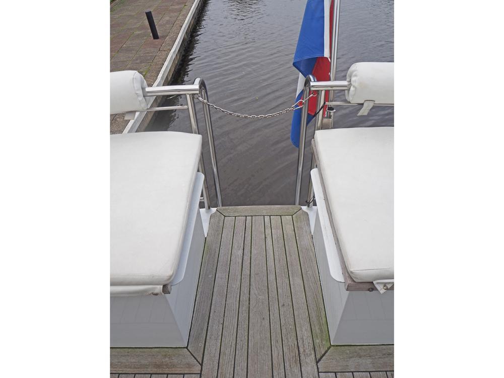 Deck equipment