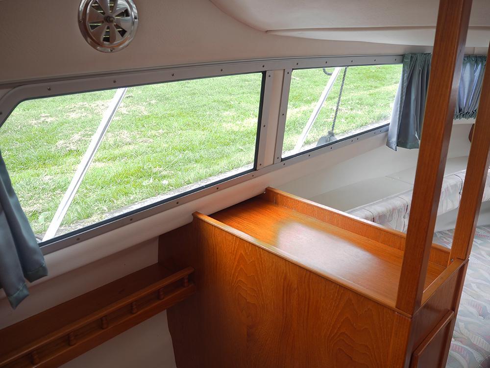 Cabin en avant, Hébergements